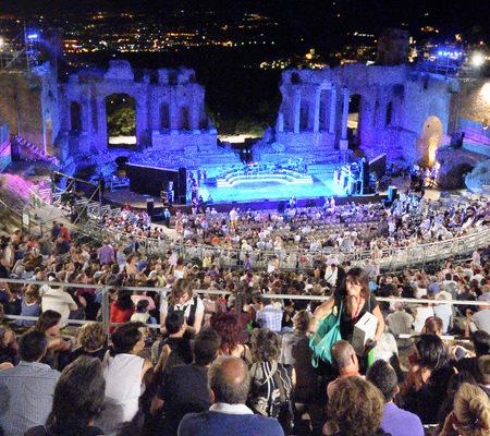 18 - Taormina film fest 54
